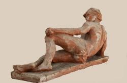 Лежащий. Керамика. / Guļus. Keramika